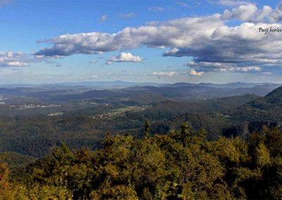 Krim, vrh, razgled v dolino