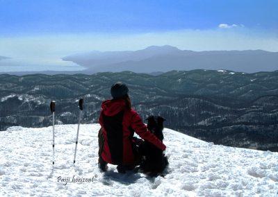 Veliki Snežnik, vrh, razgled čez mejo