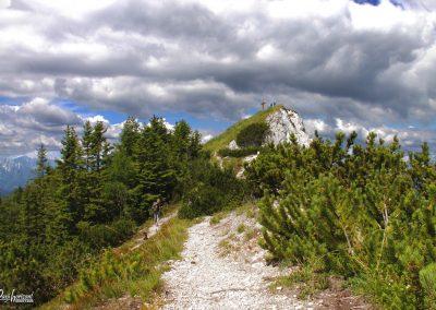 Trupejevo poldne, pogled proti vrhu