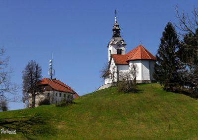 Vrh Svetih Treh Kraljev, cerkev