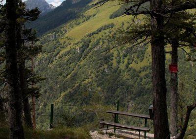 Javojrjev vrh, sestop, klopca