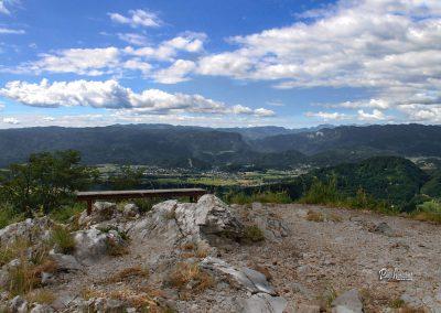 Ajdna, vrh, razgled na Blejsko dolino