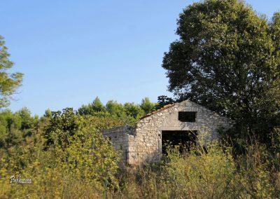 Kamnita hiša, ruševina, Ližnjan