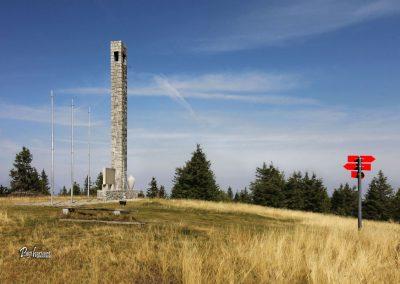 Jezerski vrh, spomenik NOB